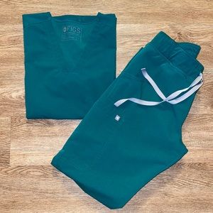 Hunter Green Figs Scrubs Set